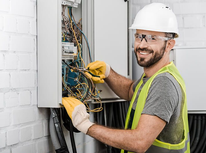 How Electricians Earn Similar Levels With Different Degrees
